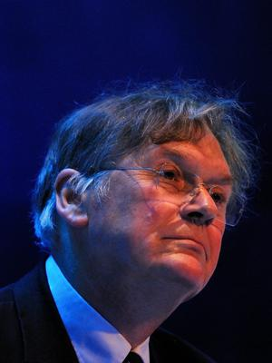 Scientist Tim Hunt forced to resign because of his tongue-in-cheek comments that men and women shouldn't work in the lab together because either side might fall in love