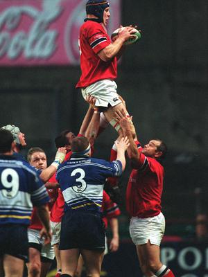 15 December 2001; Paul O'Connell, Munster. Rugby. Picture credit; Brendan Moran / SPORTSFILE