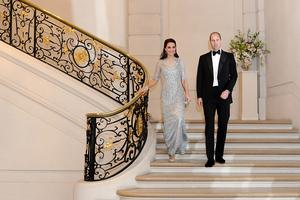 Catherine, Duchess of Cambridge and Prince William, Duke Of Cambridge attend a dinner hosted by Her Majesty's Ambassador to France, Edward Llewellyn, at the British Embassy in Paris, as part of their official visit to the French capital on March 17, 2017 in Paris, France. (Photo by Fanny Trang / British Embassy Paris -  Pool / Getty Images)