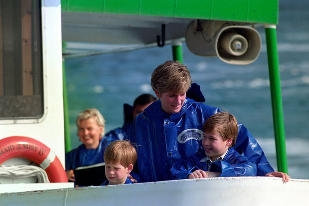 File photo dated 26/10/91 of the Princess of Wales with the Duke of Cambridge and the Duke of Sussex at the Niagara Falls, Canada