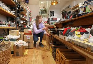 Back in business: Kate Masterson of the Kitchen Whisk shop on Wicklow Street gets ready for the reopening on Monday. Photo: Sasko Lazarov/Photocall Ireland