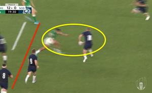 Bundee Aki shoots up off the line to make a big hit on Finn Russell