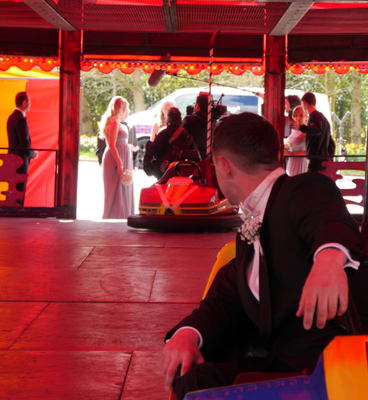 Loz waits to see if his bride will 'drive' up the aisle. Photo: Sky One / Don't Tell The Bride