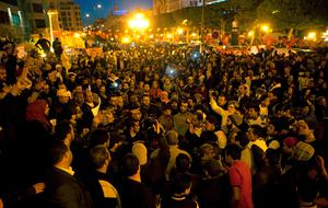 Tunisians gather at Habib Bourguiba avenue to show solidarity with the victims of the attack at a museum in Tunis. Photo: AP