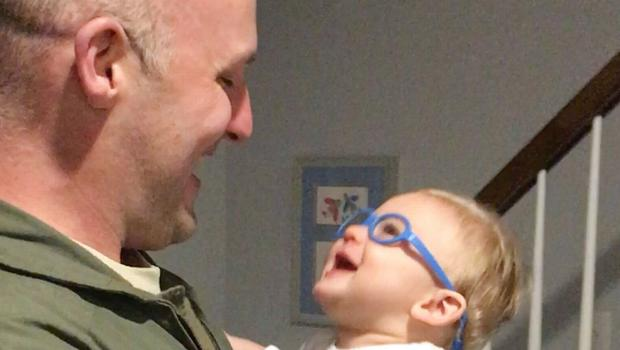 Heartwarming moment baby sees father for first time with new medical glasses