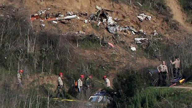 Sherriffs and officials investigate the helicopter crash site of NBA star Kobe Bryant in Calabasas, California, U.S., January 27, 2020.     REUTERS/Danny Moloshok     TPX IMAGES OF THE DAY