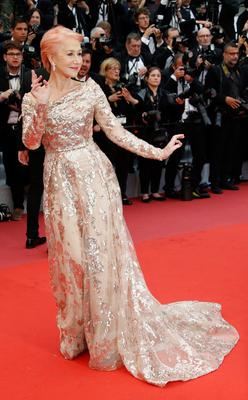 """72nd Cannes Film Festival - Screening of the film """"The Best Years of a Life"""" (Les plus belles annees d'une vie) Out of Competition - Red Carpet - Cannes, France, May 18, 2019. Helen Mirren poses. REUTERS/Regis Duvignau"""