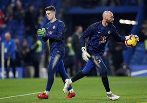 Chelsea's Willy Caballero (r) and Kepa Arrizabalaga during the warm-up before the match against Spurs this week