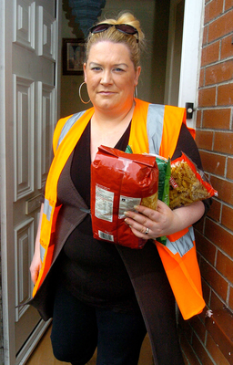 Mum-of-one Ashling Lowe prepares to feed the homeless