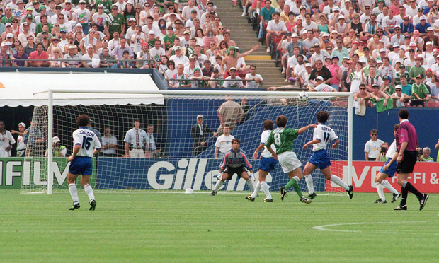 Republic of Ireland's Ray Houghton shoots to score his side's first goal. 1994 World Cup, Pool E, Republic of Ireland v Italy, The Giants Stadium, New Jersey, USA. Picture credit: David Maher / SPORTSFILE