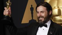 "89th Academy Awards - Oscars Backstage - Hollywood, California, US - 26/02/17 - Casey Affleck poses with his Oscar for Best Actor for ""Manchester by the Sea"" REUTERS/Lucas Jackson"