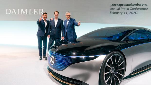 (L-R) Harald Wilhelm, Member of the Board of Management of Daimler AG. Finance & Controlling/Daimler Mobility, Ola Kaellenius, CEO of Daimler AG, Martin Daum, Member of the Board of Management of Daimler AG and Chairman of the Board of Management of Daimler Truck AG are seen at Daimler's annual press conference to announce financial results for 2019 in Stuttgart, Germany. Photo: Thomas Niedermueller/Getty Images