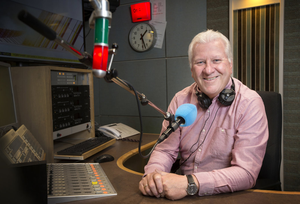 Ronan Collins marks 40 years with RTE —and a whole lifetime in showbusiness, writes Liam Collins. Picture: Tony Gavin