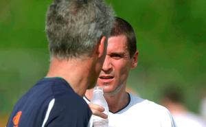 Roy Keane speaks with Mick McCarthy in the heat of Saipan before the eruption occurred. Photo: David Maher/SPORTSFILE