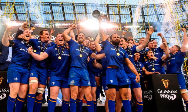 Isa Nacewa lifts the trophy for Leinster after the Guinness PRO14 final at the Aviva Stadium Photo by Ramsey Cardy/Sportsfile