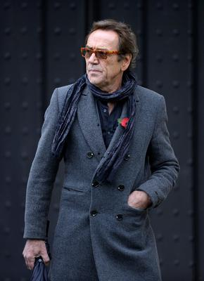 Robert Lindsay arriving for the funeral of Lynda Bellingham at St Bartholomew's Church in Crewkerne, Somerset Andrew Matthews/PA Wire