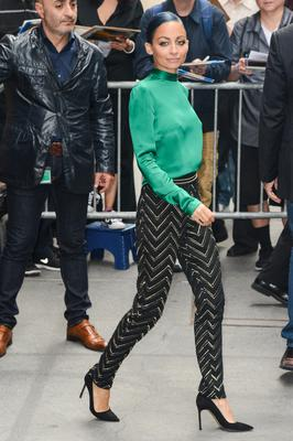 "Fashion designer/TV personality Nicole Richie leaves the ""View"" taping at the ABC Lincoln Center Studios on October 15, 2014 in New York City.  (Photo by Ray Tamarra/GC Images)"