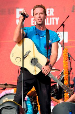 Musician Chris Martin of Coldplay performs on stage at the 2015 Global Citizen Festival to end extreme poverty by 2030 in Central Park on September 26, 2015 in New York City.  (Photo by Theo Wargo/Getty Images for Global Citizen)