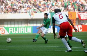 Matt Holland of Ireland scores his goal against Cameroon. at the 2002 World Cup Finals in the Big Swan Stadium, Niigata, Japan. Picture credit; David Maher / SPORTSFILE *EDI*