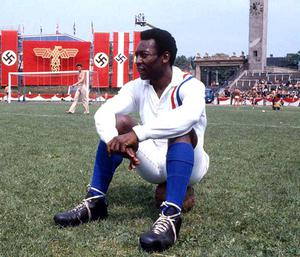 Pele on the set in the MTK Stadion