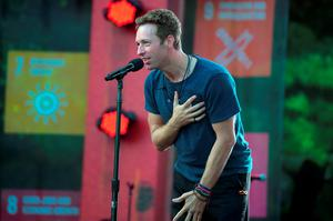 Musician Chris Martin performs on stage at the 2015 Global Citizen Festival to end extreme poverty by 2030 in Central Park on September 26, 2015 in New York City.  (Photo by Theo Wargo/Getty Images for Global Citizen)