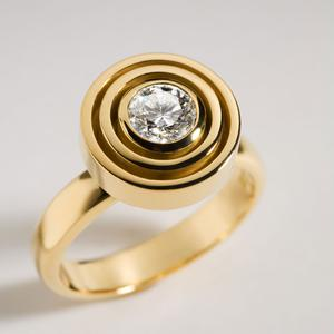 Variation on classic halo ring by Rudolf Heltzel