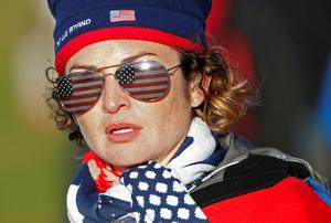 A Team U.S. fan watches play during the 40th Ryder Cup at Gleneagles in Scotland September 26, 2014.   REUTERS/Russell Cheyne (BRITAIN  - Tags: SPORT GOLF)