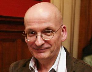 17/5/2010  **** File Photo **** Author Roddy Doyle  The Commercial Court has refused to admit an action being taken by playwright Bisi Adigun against the Abbey Theatre and writer Roddy Doyle into its list  Collins Court