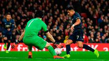 LONDON, ENGLAND - JANUARY 25:  Alexis Sanchez of Manchester United beats Petr Cech of Arsenal as he scores his team's first goal during the FA Cup Fourth Round match between Arsenal and Manchester United at Emirates Stadium on January 25, 2019 in London, United Kingdom. (Photo by Mike Hewitt/Getty Images)