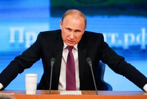 A tape apparently recorded by murdered Russian spy Alexander Litvinenko a year before he was poisoned has revealed he was digging up links between Vladimir Putin and one of the world's most dangerous terrorists (REUTERS/Maxim Zmeyev)
