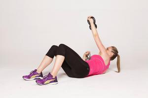 Alternating twist and press: 3/ Return to the start position by bringing your shoulder and elbow to the floor before repeating the exact same on the opposite side. Alternate sides as you go.