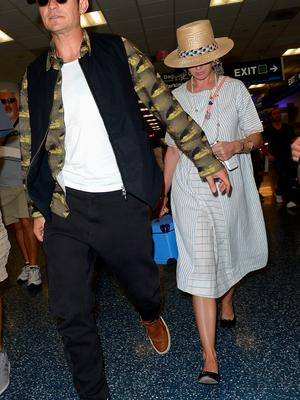 Orlando Bloom and  Katy Perry are seen at Miami International Airport on May 22, 2016 in Miami, Florida.  (Photo by Gustavo Caballero/GC Images)
