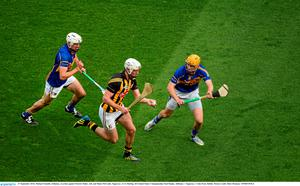 27 September 2014; Michael Fennelly, Kilkenny, in action against Patrick Maher, left, and Shane McGrath, Tipperary. GAA Hurling All Ireland Senior Championship Final Replay, Kilkenny v Tipperary. Croke Park, Dublin. Picture credit: Dáire Brennan / SPORTSFILE