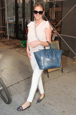 Kate Upton leaves Milk Studios on June 24, 2014 in New York City.  (Photo by Rob Kim/Getty Images)