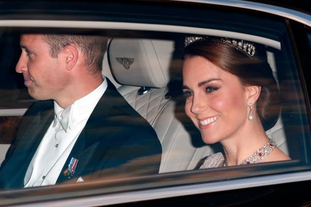 Prince William, Duke of Cambridge and Catherine, Duchess of Cambridge attend a State Banquet at Buckingham Palace on day 1 of the Spanish State Visit on July 12, 2017 in London, England.  This is the first state visit by the current King Felipe and Queen Letizia, the last being in 1986 with King Juan Carlos and Queen Sofia. (Photo by Max Mumby/Indigo/Getty Images)