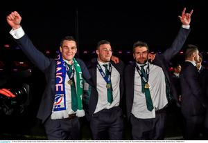 Jonathan Sexton, Robbie Henshaw and Jared Payne celebrate. Photo: Brendan Moran / SPORTSFILE