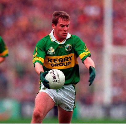 7 October 2000; Dara O'Cinneide of Kerry in the 2000 All-Ireland final replay. Picture credit; Brendan Moran/SPORTSFILE