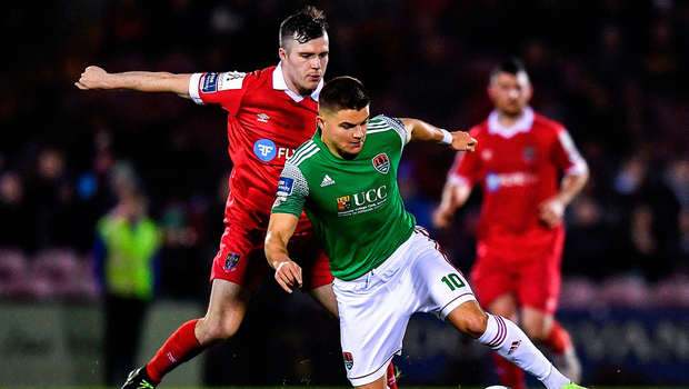 Daire O'Connor of Cork City is tackled by Luke Byrne of Shelbourne. Photo by Eóin Noonan/Sportsfile