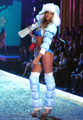 Candice Swanepoel in 2007