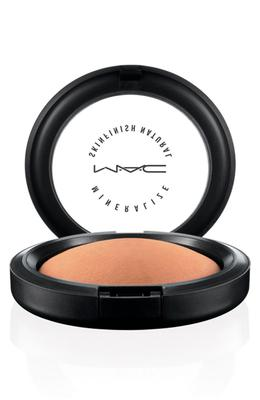 MAC Bronzing Powder (€28.50)