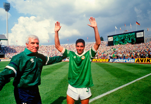 Mick Byrne with Chris Hughton after Ireland's 1-0 victory against England. Photo by Ray McManus/Sportsfile