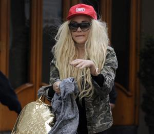 Amanda Bynes steps out this afternoon in New York City. <P> Pictured: Amanda Bynes <P><B>Ref: SPL526963  160413  </B><BR/> Picture by: Steffman-Turgeon / Splash News<BR/> </P><P> <B>Splash News and Pictures</B><BR/> Los Angeles:310-821-2666<BR/> New York:212-619-2666<BR/> London:870-934-2666<BR/> photodesk@splashnews.com<BR/> </P>