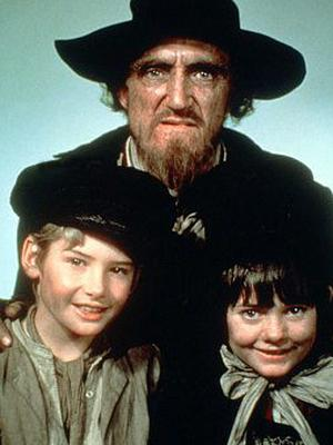 Ron Moody with Mark Lester (left) and Jack Wild in Oliver!