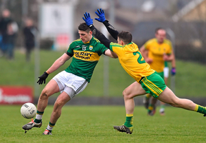 Paul Geaney, Kerry, in action against Paddy McGrath, Donegal