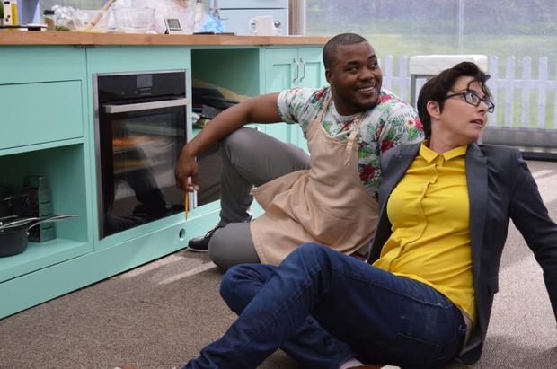 The Great British Bake Off 2016 - episode 6 (No. 6) - Picture Shows: Technical. Selasi and Sue on the floor watching his oven.