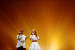 Morland and Debrah Scarlett representing Norway perform during a dress rehearsal for the second semifinal of the upcoming 60th annual Eurovision Song Contest in Vienna, Austria, May 20, 2015. REUTERS/Leonhard Foeger