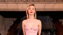 Saoirse Ronan attends Scotland's Premiere of Mary Queen of Scots on January 14, 2019 in Edinburgh, Scotland. (Photo by Duncan McGlynn/Getty Images for Universal)
