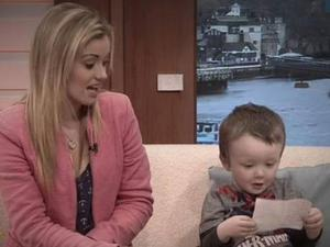 Sammie Welch, 23, was given a note praising her parenting skills with Rylan (3) Credit:ITV's Good Morning Britain
