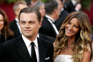 Leonardo DiCaprio and Gisele Bundchen at the The 77th Annual Academy Awards in 2005.   (Photo by Chris Polk/FilmMagic)