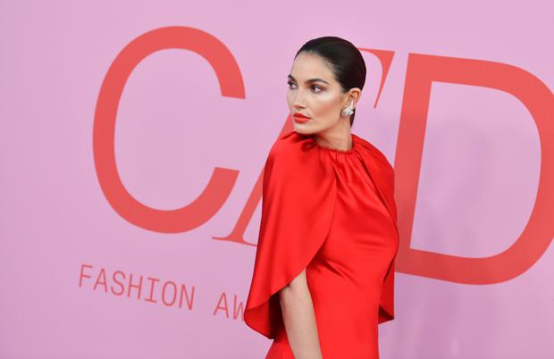 US model Lily Aldridge arrives for the 2019 CFDA fashion awards at the Brooklyn Museum in New York City on June 3, 2019. (Photo by ANGELA WEISS / AFP)
